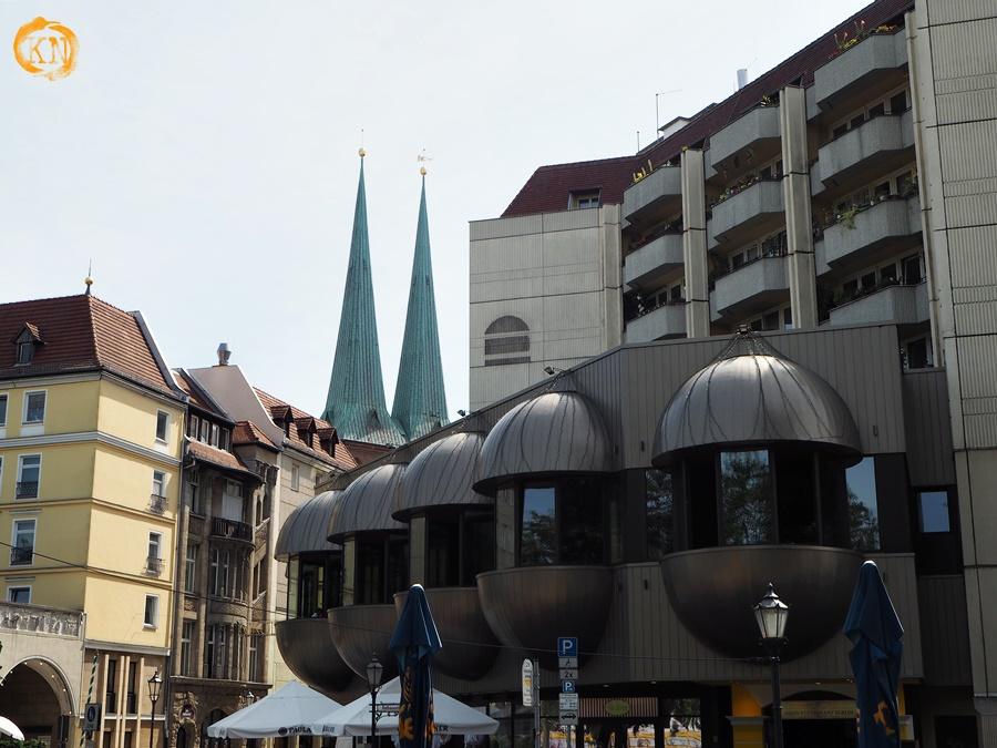Ile epok architektonicznych widzicie na tym zdjęciu? :)