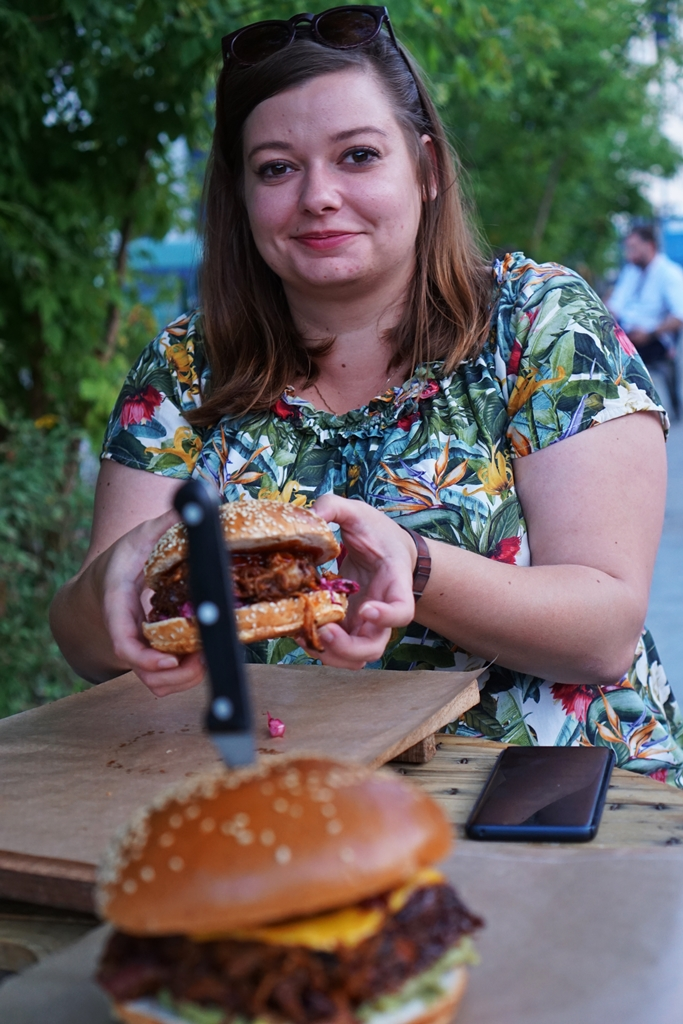 Nowa burgerowa fala - recenzja Roger That Foods