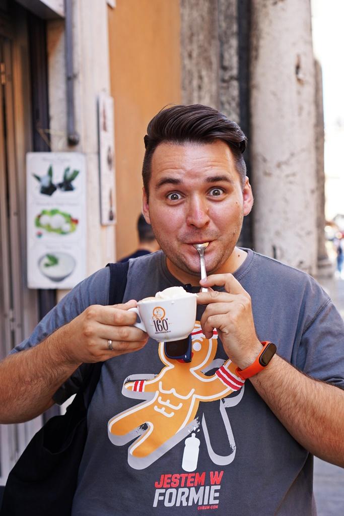 Kawa z bitą śmietaną